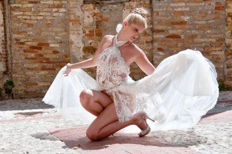 Elena Travaini - ph Cristian Palmieri - Abito che ha aperto la Fashion Week di Dubai 2018 dello stilista Simone Racioppo